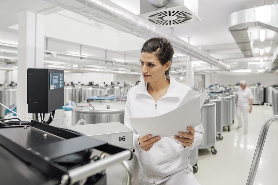 Foto shtese dhe foto te laboratorit te qelizave staminale Vita 34
